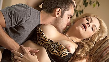 Perfect blondie has an amazing intercourse