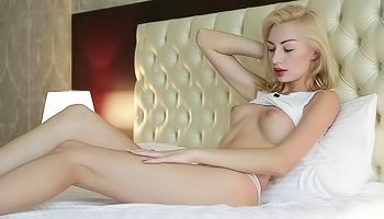 Tender blonde loves having sweet solo