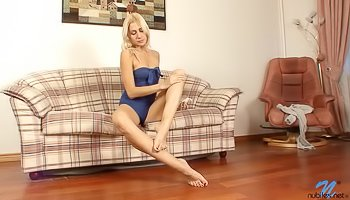 Sweet blonde loves having sensual solo