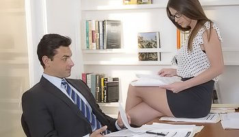 Hot secretary is getting fucked deep