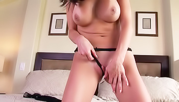 Thick brunette masturbates like crazy