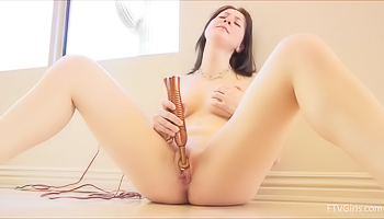Teen brunette is way too slutty
