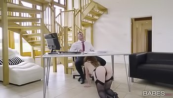 Redheaded thot gets fucked at work