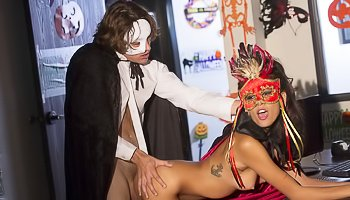 Babe in red mask gets fucked