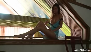 Hot babe is having solo on table