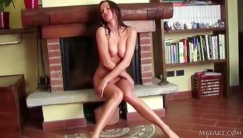 Horny lady is having wild solo