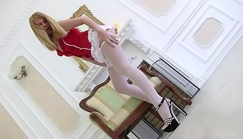 Sweet masturbation from awesome blonde