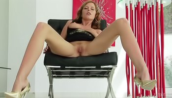 Babe in shoes is enjoying solo session