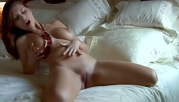 Big-tittied lady is enjoying solo