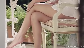 Lovely babe gets fucked outdoors