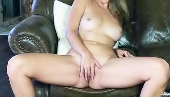 Sexy solo scene to drive you wild