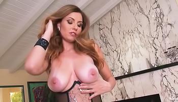 Chic brunette fingering herself on cam