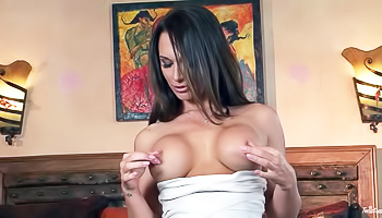 Busty brunette's solo session gets racy